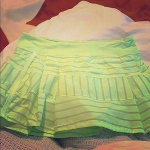 Lululemon Tennis/Run Skirt in Lime Green